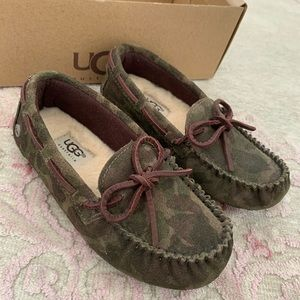 Ugg Toddler Slippers Size 10